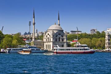 Mosquée Nusretiye vue du Bosphore - Istambul