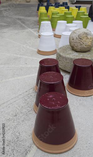 Vasi colorati in terracotta ceramica immagini e for Vasi terracotta prezzi