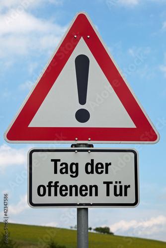 Tag der offenen tür schild  Achtung-Schild TAG DER OFFENEN TÜR