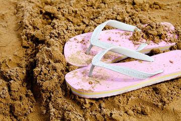 infradito nella sabbia