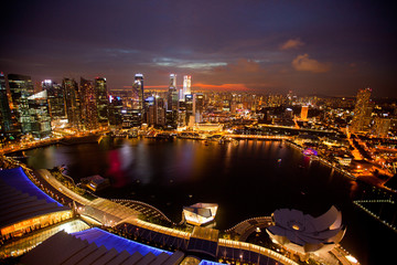Foto op Plexiglas Singapore A view of Singapore from roof Marina Bay, in the night.