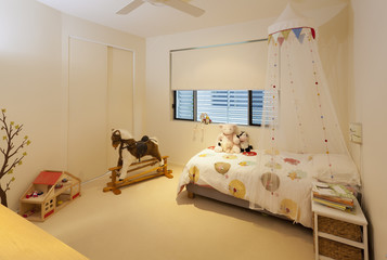 Little girl's bedroom