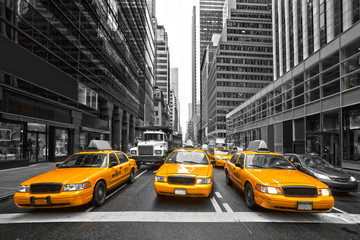 Zelfklevend Fotobehang New York TAXI TYellow taxis in New York City, USA.