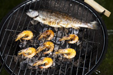 Grilling fish and shrimps
