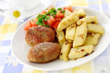 Meat cutlets with potato dumplings