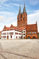 Markt in Stendal mit St. Marien und Rathaus, Deutschland