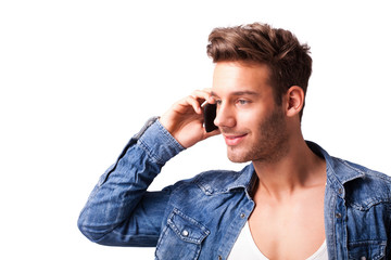 telefonierender junger Mann