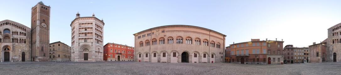 Parma, Piazza Duomo e Battistero