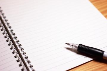 ノートブックとペン