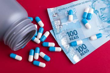 Brazilian money and pills