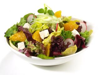 Salat mit Orangenfilets und Feta Käse