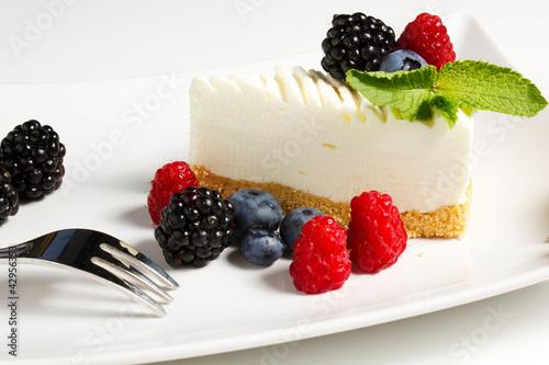 торт с кусочками фруктов картинки