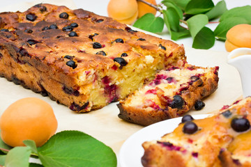 Cheese Casserole with ripe apricots and fragrant currant