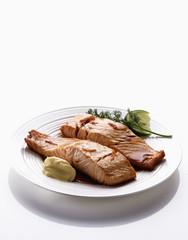 Pavés de saumon aux échalotes