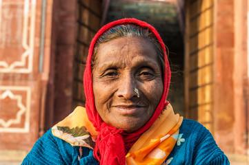 Alte indische Frau mit Nasenschmuck, Delhi, Indien