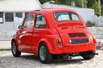 Papiers peints Rouge, noir, blanc Small Classic Red Car