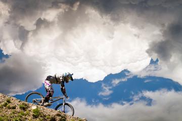 Fototapete - MTB in the sky