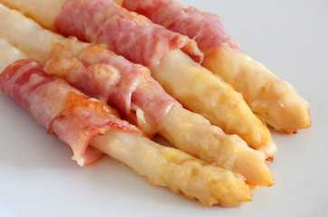 asparagus and ham with cheddar