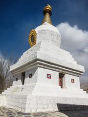 西藏桑耶寺的佛塔