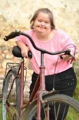 trisomique femme et vélo