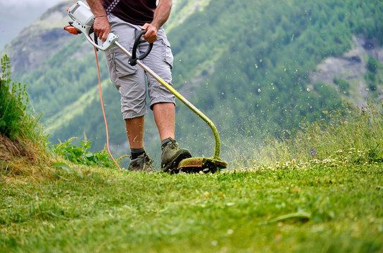 débroussaillage en montagne,jardinage