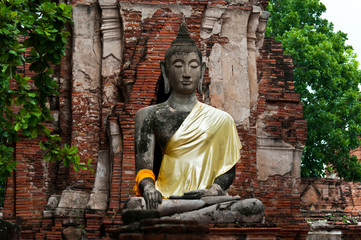 Image of the buddha at Wat Mahathat in Thailand