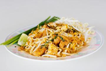 Pad Thai, Thai noodle style