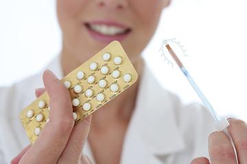 Obraz Femme - Choisir sa contraception - fototapety do salonu