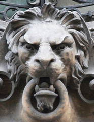 sculpture of a lion as a symbol of strength