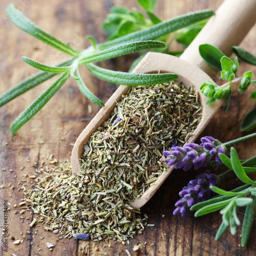 herbes de provence photo libre de droits sur la banque d 39 images image 43784986. Black Bedroom Furniture Sets. Home Design Ideas