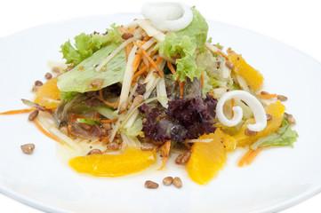 салат из овощей и фруктов