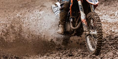 Photo sur Plexiglas Motorise Motocrosser im Dreck