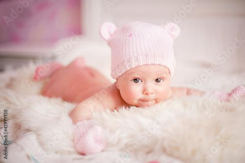 Девочка в вязаной шапочке  № 1822017 без смс