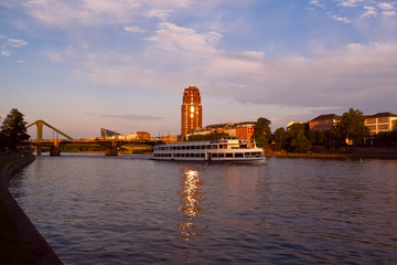 Fototapete - Frankfurt city before sunset