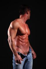 uomo muscoloso