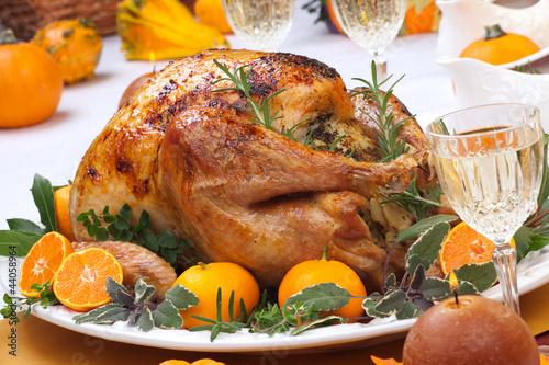 еда салаты рыба курица банкет  № 2124048 загрузить