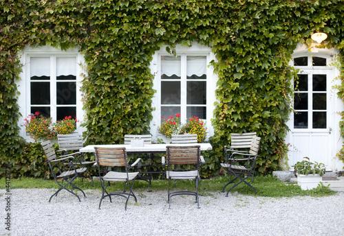 terrasse de maison rustique photo libre de droits sur la. Black Bedroom Furniture Sets. Home Design Ideas