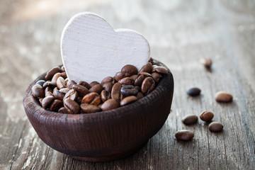 Kaffeebohnen in Schale