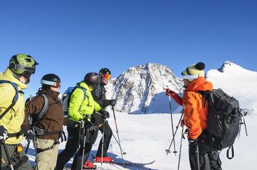 Bergführer mit Gruppe