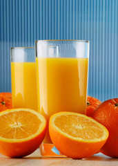 Composition with orange juice and fruits