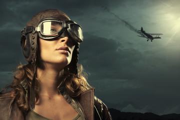 Woman aviator: fashion model portrait Fototapete