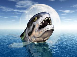 Grosser Fisch mit Mondkulisse