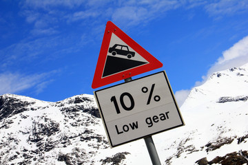 Road grade 10 per cent, road sign in Norway
