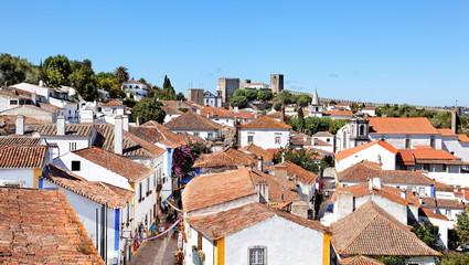 Blick auf die Gassen von Obidos, Portugal