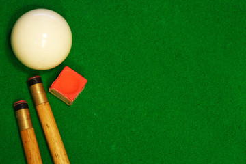 billiards table cues and cue ball