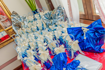 Zelfklevend Fotobehang Abstract bloemen bonbonierre, fancy sweet-box in wedding