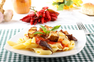Pasta with tomato, basil and eggplant