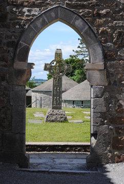 Croix en terre irlandaise