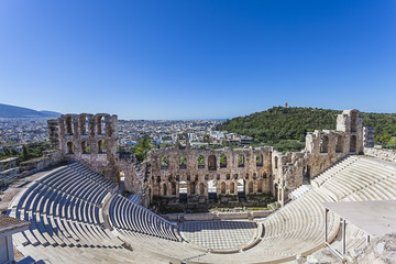 Fototapete - Odeon of Herodes Atticus under Acropolis in Athens,Greece