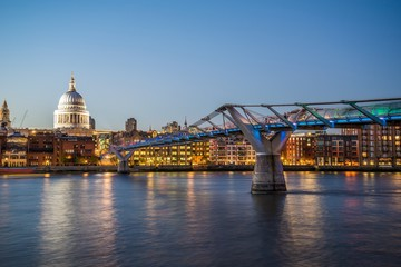 Millennium Bridge with a view on St. Pauls